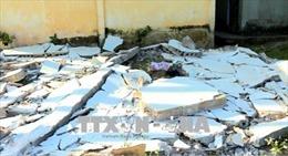 Tường rào trường học xuống cấp bất ngờ đổ sập