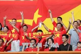 ASIAD 2018: Rất đông cổ động viên Việt Nam đến cổ vũ U23 Việt Nam gặp U23 Nhật Bản