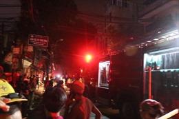 Cháy lớn gần Viện Nhi Trung ương, hàng trăm người hoảng loạn