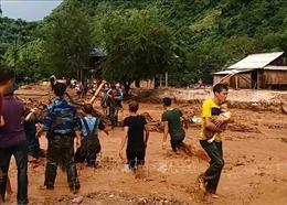 Đồng chí Phạm Minh Chính khảo sát thiệt hại tại vùng lũ Mường Lát