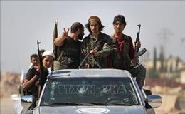 Hai nhóm nổi dậy rút vũ khí hạng nặng khỏi khu phi quân sự ở Idlib, Syria