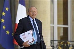 Bộ trưởng Nội vụ từ chức khiến Tổng thống Pháp gặp khó khăn