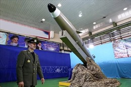 Bất chấp 'đòn' trừng phạt, Iran 'khoe' thành tựu công nghiệp quốc phòng