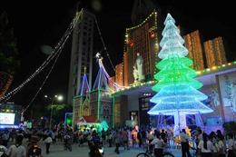 Thành phố Hồ Chí Minh ngập tràn không khí Giáng sinh