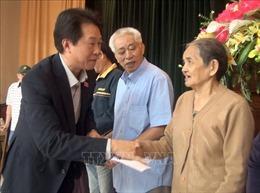 Đoàn đại biểu Quốc hội tỉnh Phú Yên trao tặng 400 suất quà Tết