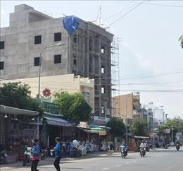 Rơi từ tầng 4 tòa nhà đang xây, 2 người bị tử vong, 1 người nguy kịch