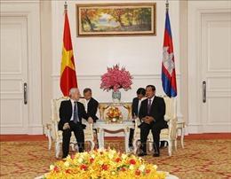 Tổng Bí thư, Chủ tịch nước Nguyễn Phú Trọng hội kiến với Thủ tướng Campuchia Samdech Hun Sen