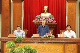 Thường trực Ban Bí thư Trần Quốc Vượng làm việc tại Tiền Giang