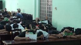 Đột kích, phát hiện 71 thanh niên 'bay lắc' trong quán karaoke dương tính ma túy