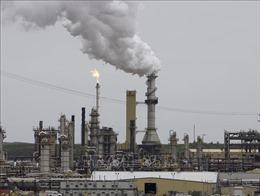 Giá dầu Brent chạm mốc 70 USD/thùng