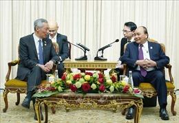 Thủ tướng Nguyễn Xuân Phúc tiếp Thủ tướng Singapore