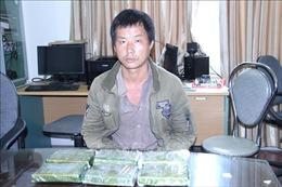 Bắt quả tang vụ vận chuyển, tàng trữ trái phép 2,1 kg heroin