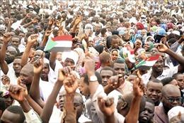 Biểu tình rầm rộ đòi trao quyền cho chính quyền dân sự ở Sudan