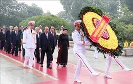 Lãnh đạo Đảng, Nhà nước đặt vòng hoa, tưởng niệm các Anh hùng Liệt sĩ