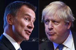 Hai ứng cử viên cuối cùng vào chức Thủ tướng Anh tranh luận kịch liệt về vấn đề Brexit