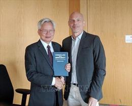 Việt Nam - Canada trao đổi kinh nghiệm tổ chức, quản lý nhà nước
