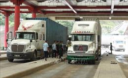 Hoạt động thương mại qua cửa khẩu Cha Lo tăng mạnh