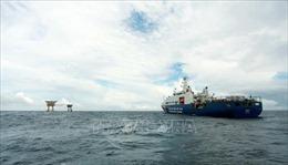 Cảnh sát biển cùng ngư dân vươn khơi, bám biển