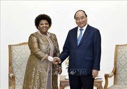 Thủ tướng Nguyễn Xuân Phúc tiếpBộ trưởng Quốc phòng và Cựu Chiến binh Nam Phi