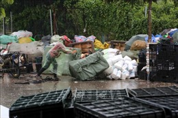 Hà Nội xây dựng quy trình thu gom, vận chuyển, lưu trữ rác thải y tế tập trung
