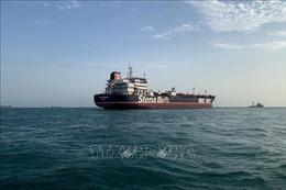 Iran bỏ lệnh tạm giữ tàu treo cờ Anh