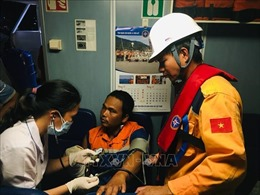 Điều động tàu chuyên dụng, cứu nạn khẩn cấp ngư dân bị đứt rời cánh tay phải