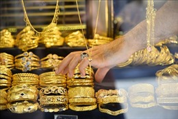 Giá vàng thế giới chạm mức thấp nhất trong hai tuần