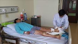 Nối thành công bàn chân người đàn ông bị đứt lìa do tai nạn lao động