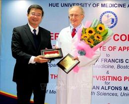 Trao chức danh Giáo sư Thỉnh giảng cho Giáo sư Đại học Antwerp