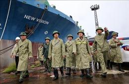 Phó Thủ tướng Trịnh Đình Dũng kiểm tra công tác phòng, chống bão số 3 tại Quảng Ninh
