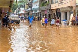Bão Saga mạnh cấp 5 gây lở đất, gập lụt tại nhiều nơi ở Fiji