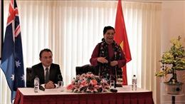 Phó Chủ tịch Quốc hội Tòng Thị Phóng gặp gỡ kiều bào tại Australia