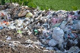 TP Bảo Lộc tập kết rác đầu nguồn, người dân huyện Đạ Huoai bức xúc