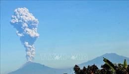 Núi lửa Merapi tại Indonesia phun tro bụi cao 6.000m