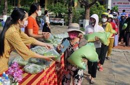 Học sinh chế tạo 'ATM gạo'giúp đỡ người nghèo