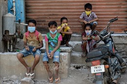 Chủ tịch WB cảnh báo COVID-19 sẽ đẩy 60 triệu người vào cảnh nghèo đói cùng cực