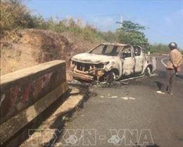 Một người tử vong trong xe ô tô bán tải cháy biến dạng trên Quốc lộ 28