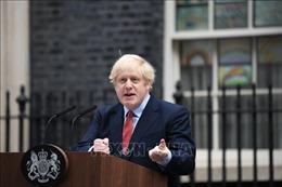 Thủ tướng Anh cảnh báo người dân về sự lơ là cảnh giác với COVID-19
