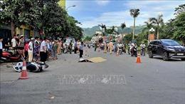 Xe bồn chở bê tông va chạm với xe mô tô khiến một người tử vong