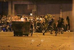 Biểu tình gây bạo loạn đường phố ở Liban