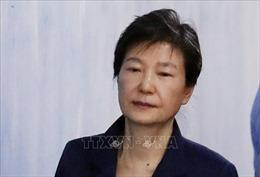 Y án 20 năm tù đối với cựu Tổng thống Park Geun-hye
