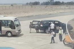 Xe công vụ đón Phó Bí thư Tỉnh ủy Phú Yên trong sân bay là đúng chế độ quy định