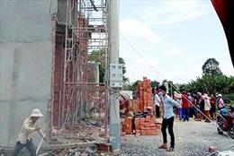 Sập công trình tại Long An làm 2 người tử vong và 6 người bị thương