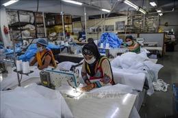 Ấn Độ nới lỏng một số quy định để khôi phục hoạt động kinh tế