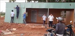 Tháo dỡ công trình không phép trước cổng Chi cục Kiểm lâm tỉnh Bình Phước