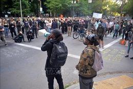 Cảnh sát tại Portland, Mỹ ban bố bạo động do biểu tình bạo lực leo thang