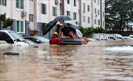 Mưa lớn kéo dài gây ngập lụt nghiêm trọng tạiHàn Quốc