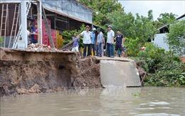Sạt lở bờ sông ở Sóc Trăng làm ảnh hưởng nhiều hộ dân