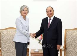 Thủ tướng tiếp Bộ trưởng Ngoại giao Hàn Quốc và Giám đốc Quốc gia ADB tại Việt Nam