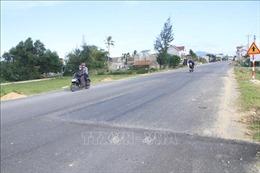 Hiểm nguy rình rập trên tuyến đường ven biển ở Hà Tĩnh